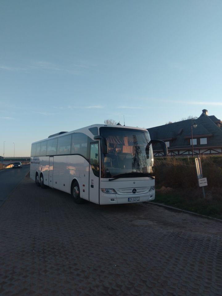 Mercedes Tourismo w wersji 55 osobowej